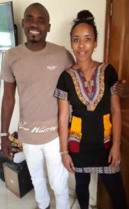 Unsere Tochter Lea und Cheikh, der Schneider